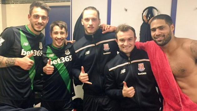 Stoke-City-Helden: Jose Lu, Bojan Krkic, Marko Arnautovic, Xherdan Shaqiri, Glen Johnson (v. li.) (Bild: Facebook.com)