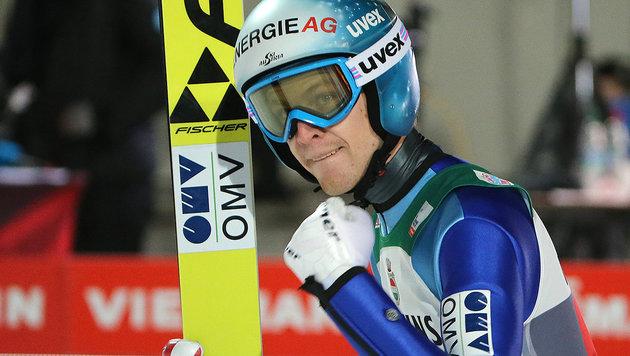 Stark! Michael Hayböck gewinnt Quali in Innsbruck (Bild: APA/dpa/Fredrik von Erichsen)