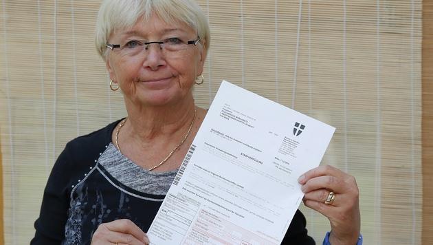 Margarete St. flatterte ein Strafzettel über 98 Euro ins Haus. (Bild: Martin. A. Jöchl)