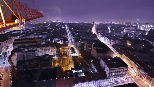 """""""Urban Monkeys: Kran-Besteigung zum Jahresabschluss (Bild: Urban Monkeys)"""""""