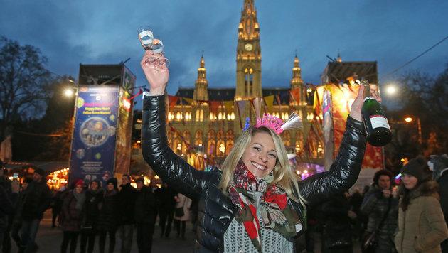 Ausgelassene Stimmung am Wiener Silvesterpfad (Bild: Peter Tomschi)