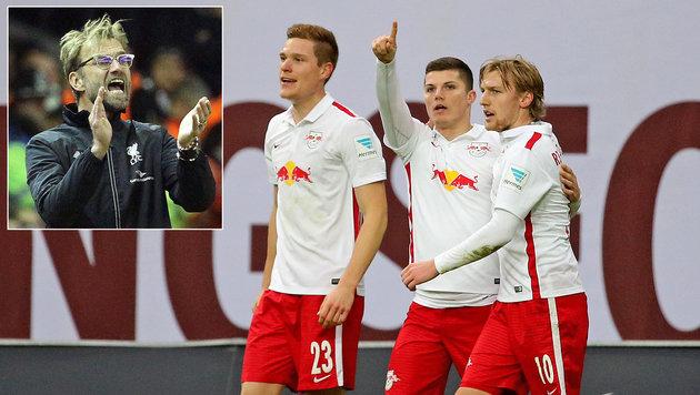 Marcel Sabitzer (M.) jubelt mit ihm: Forsberg (re.) soll zu Liverpool (Bild: APA/dpa-Zentralbild/Jan Woitas)