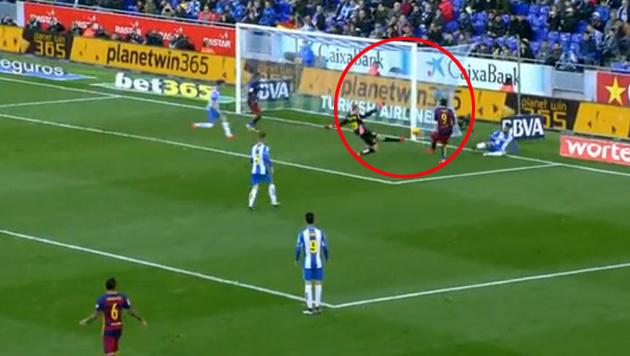 Video: Suarez vergibt aus drei Metern Entfernung (Bild: LAOLA)