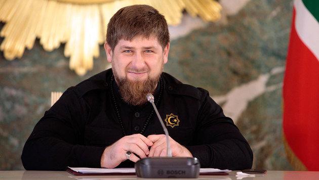 Ramsan Kadyrow will auch im Ausland ansässige tschetschenische Kritiker zum Schweigen bringen. (Bild: AP)