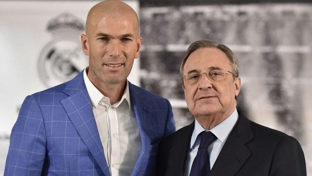 Zidane mit Real-Präsident Perez (Bild: AFP)
