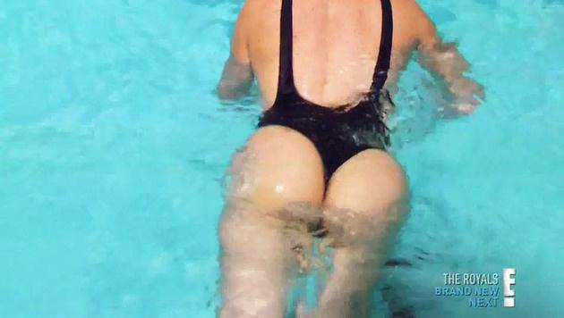 Khloe Kardashian zeigt ihren prallen Po. (Bild: Viennareport)