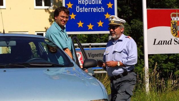 Der Ruf nach Grenzkontrollen wird lauter: Stoppt die Flüchtlingswelle schon an unserer Südgrenze! (Bild: Markus Tschepp)