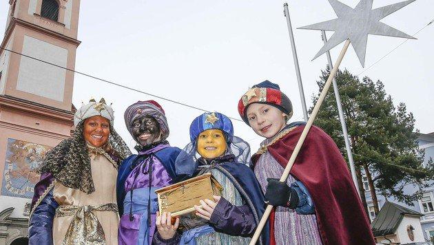 Auch diese Sternsinger aus Salzburg haben fleißig für die Ärmsten gesammelt. (Bild: MARKUS TSCHEPP)