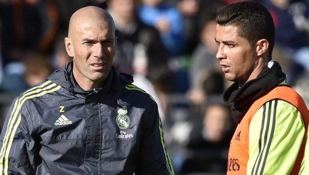 Ronaldo schließt Wechsel in die USA nicht aus (Bild: APA/AFP/GERARD JULIEN)