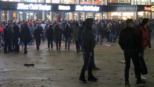 Köln: Erster Prozess wegen Sex-Attacken (Bild: APA/dpa/Markus Boehm)