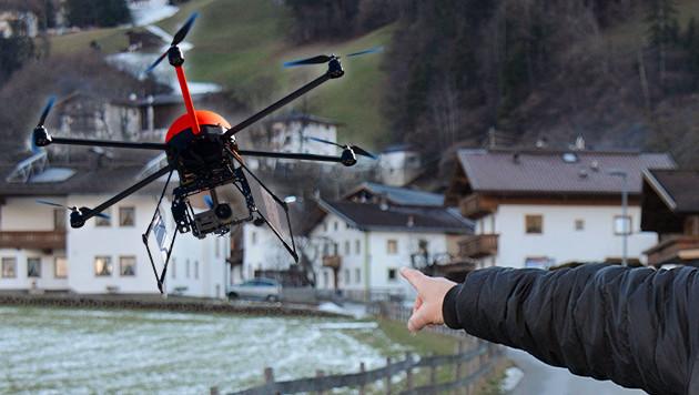 Bei Drohnen-Missbrauch drohen 22.000 Euro Strafe (Bild: dpa, ZOOM-Tirol)