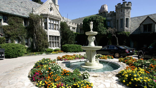 """Hugh Hefners """"Playboy Mansion"""" steht zum Verkauf (Bild: HECTOR MATA/AFP/picturedesk.com)"""