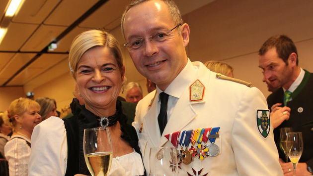 Bauernbunddirektorin Tanner und der NÖ-Militärkommandant Rudolf Striedinger (Bild: Alexander TUMA)