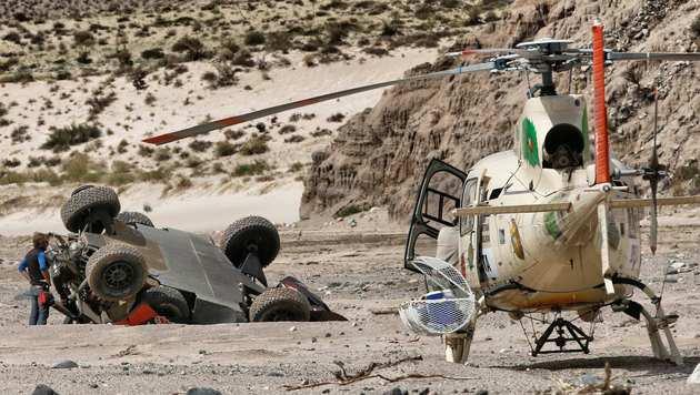 Spektakulärer Unfall wirft Loeb weit zurück (Bild: AP)