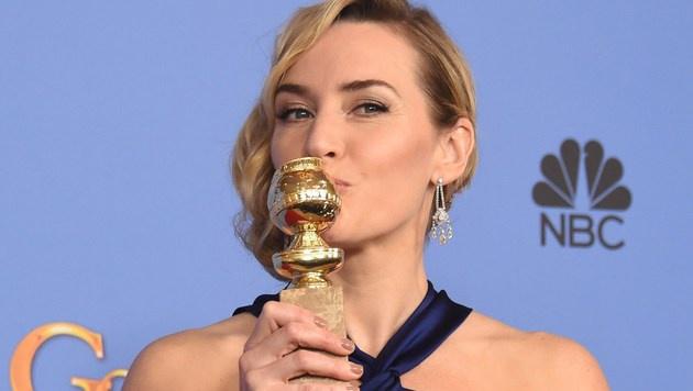 """Kate Winslet wurde als beste Nebendarstellerin im Film """"Steve Jobs"""" ausgezeichnet. (Bild: APA/AFP/FREDERIC J BROWN)"""