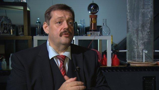 Werner Gruber sorgt für Expertisen. (Bild: ATV)