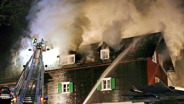 Zwei Tote bei Brand: Zigarette als Auslöser (Bild: APA/FMT-PICTURES/PM)