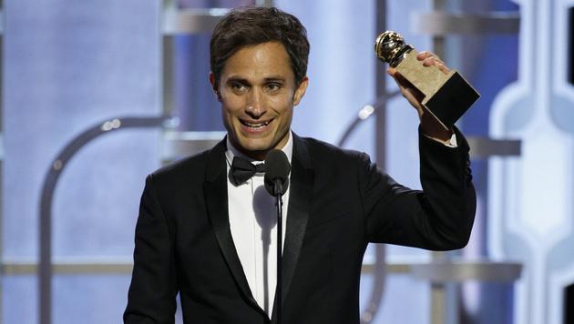 """Gael Garcia Bernal gewinnt einen Preis als bester Schauspieler in der Serie """"Mozart in the Jungle"""". (Bild: AP)"""