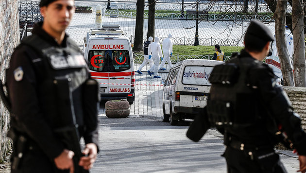 Ermittlungen in Istanbul nach dem Anschlag auf deutsche Touristen (Bild: AFP)