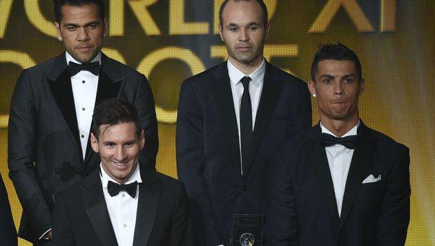 Dani Alves (links oben) krachte mit Cristiano Ronaldo (rechts unten) aneinander. (Bild: AFP or licensors)
