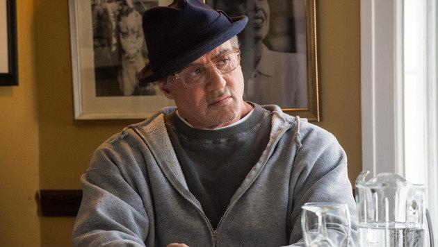 Sylvester Stallone kommt als Mafiaboss ins TV (Bild: Warner Bros.)