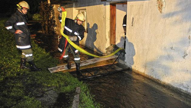 Überflutungen nach starken Regenfällen in Kärnten (Bild: APA/MANFRED FESL (Symbolbild))
