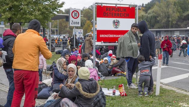 3000 Fl�chtlinge an �sterreichs Grenze abgewiesen (Bild: APA/Erwin Scheriau)