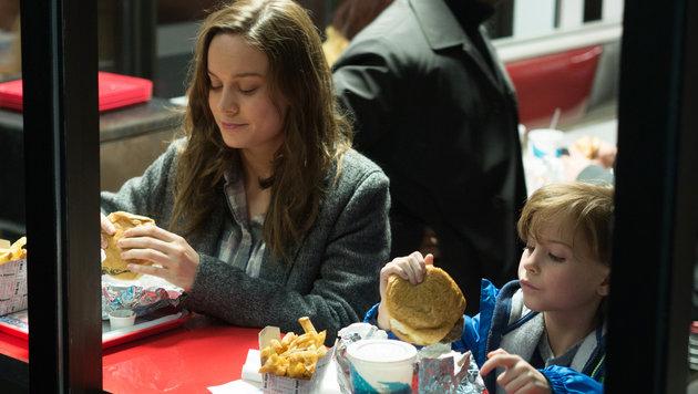 """Brie Larson und Jacob Tremblay im Film """"Room"""" (Bild: AP)"""
