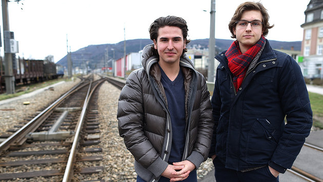 Tim Schächter (li.) und Lukas Prenner wurden zu Lebensrettern. (Bild: Gerhard Bartel)
