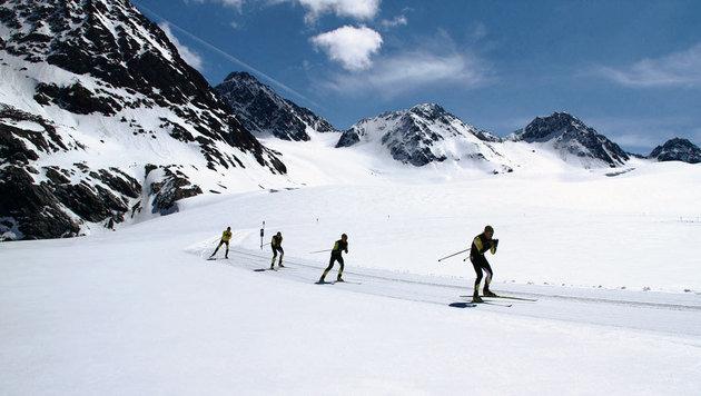 Langlaufen ist auf 1600, 2300 und 3000 Metern möglich. (Bild: Pitztaler Gletscherbahn)