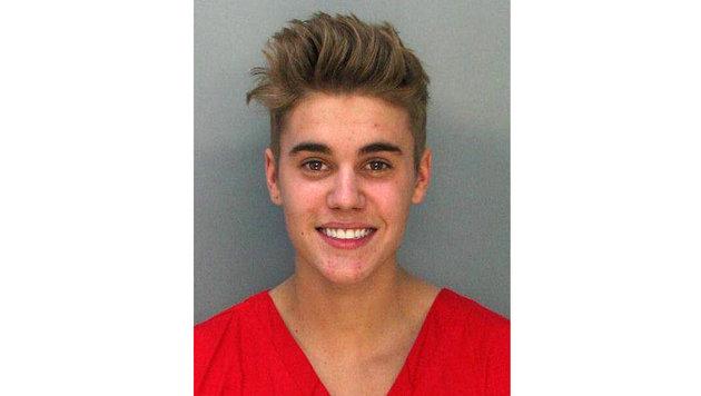 Justin Bieber hatte offenbar Freude an seiner Verhaftung wegen eines illegalen Straßenrennens. (Bild: Viennareport)