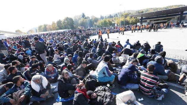 """Spielfeld: Die steirische Polizei rechnet bald wieder mit 5000 bis 6000 Flüchtlingen täglich. (Bild: """"Krone"""")"""