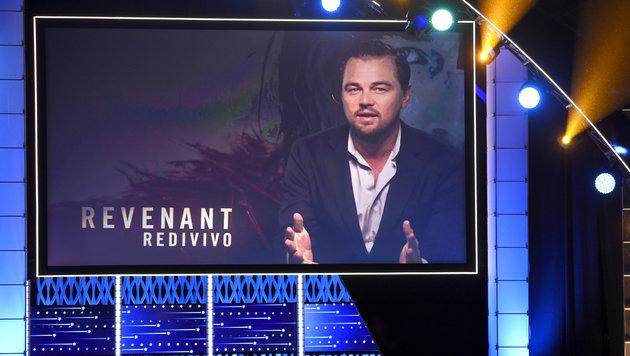 Leonardo DiCaprio bedankt sich für seinen Critics' Choice Award via Videoschaltung. (Bild: Chris Pizzello/Invision/AP)