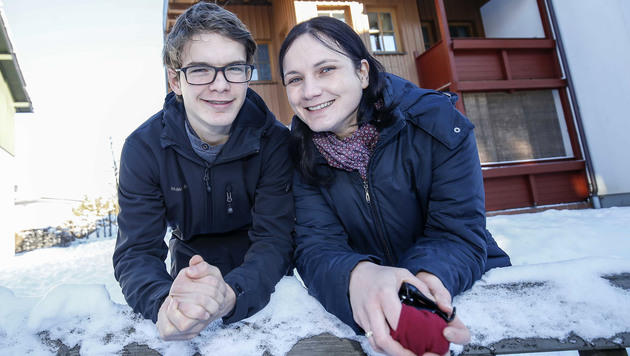 Jonas mit Mama Nicole (Bild: MARKUS TSCHEPP)
