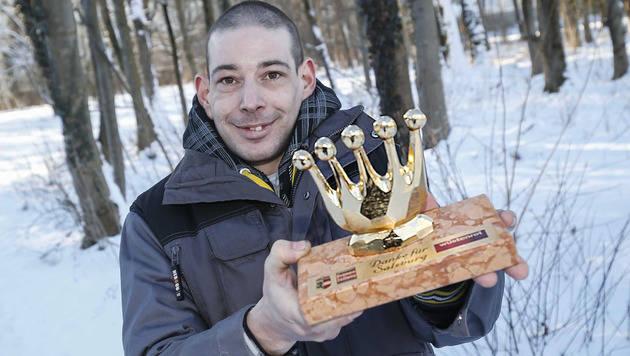 """Retter Christian übernahm stellvertretend die """"Goldene Krone"""". (Bild: MARKUS TSCHEPP)"""