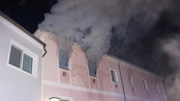 Bettlägrige Frau stirbt bei Wohnungsbrand in NÖ (Bild: APA/FF MISTELBACH)