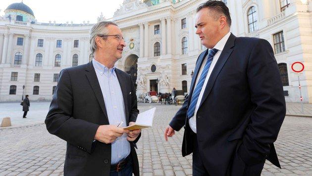 "Minister Doskozil im Talk mit ""Krone""-Sportchef Robert Sommer (Bild: Gerhard Gradwohl)"