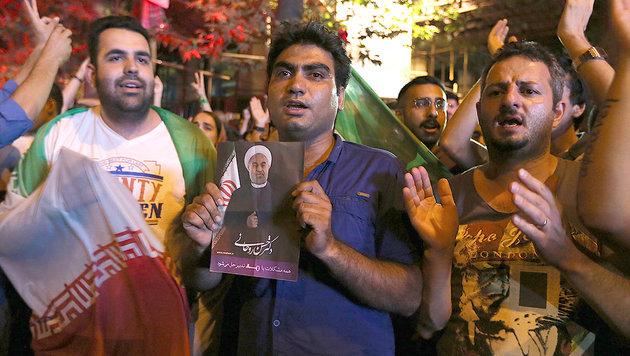 Teheran: Hoffnung auf Rückkehr der Kreditkarte (Bild: AFP/ATTA KENARE)