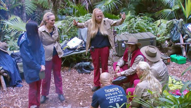 """""""Es ist ekelhaft, schlimmer als eine Bahnhofstoilette"""", regt sich Jenny über das Dschungel-WC auf. (Bild: RTL)"""