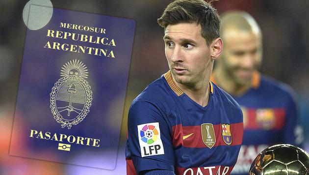 Polizist droht wegen Messi-Reisepass 6 Monate Haft (Bild: APA/AFP/LLUIS GENE, thinkstockphotos.de)