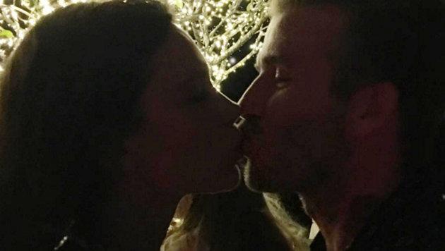 Victoria und David Beckham sind seit 1999 verheiratet und küssen sich noch immer. (Bild: Viennareport)