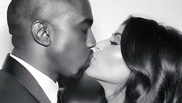 Kim und Kanye West vereint im Kuss. (Bild: Viennareport)