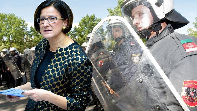 """""""Strenge Maßnahmen zum Schutz der Grenze!"""" (Bild: APA/ROLAND SCHLAGER, APA/GEORG HOCHMUTH)"""