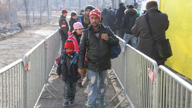 So viel kostet die Asylkrise wirklich (Bild: Christian Jauschowetz)