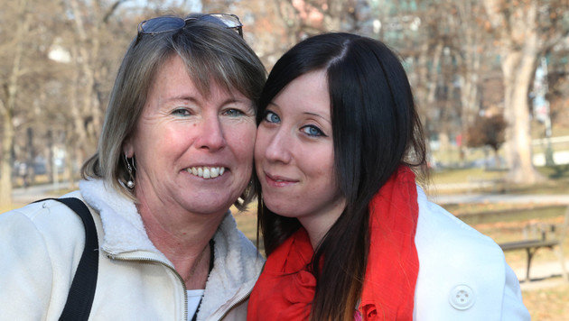 Mutterliebe h�ngt definitiv nicht von der genetischen Abstammung ab: Evelin und Doris Gr�nwald (Bild: J�rgen Radspieler)