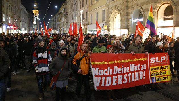 Die Demonstranten in der Grazer Herrengasse (Bild: APA/Erwin Scheriau)