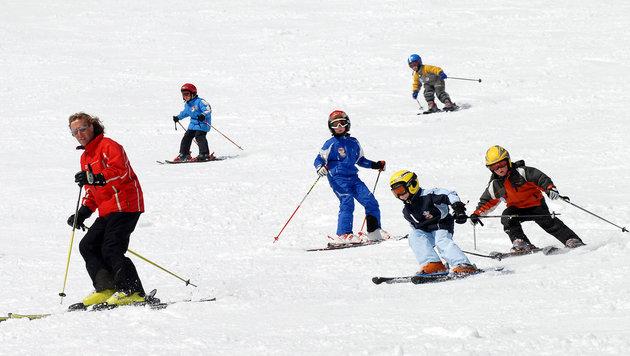Skikurse sind für Schüler einer der Winter-Höhepunkte. Doch für viele Familien kaum finanzierbar! (Bild: Steiermark Tourismus/photo-austr)