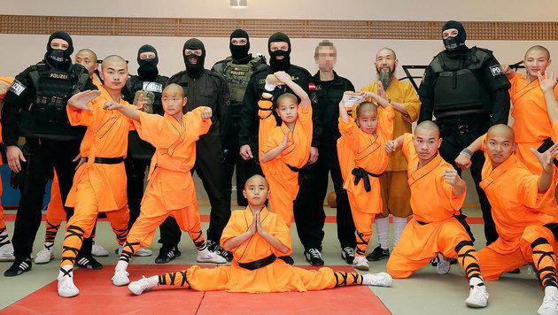 Shaolin-Mönche auf Besuch bei der Cobra (Bild: Klemens Groh)