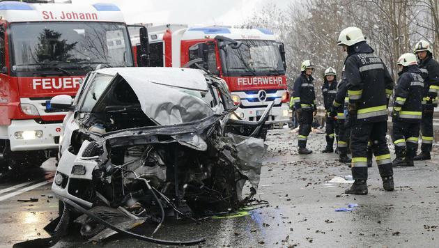 Für den 46-Jährigen gab es keine Rettung mehr, er starb noch vor Ort. (Bild: APA/AKTIVNEWS)
