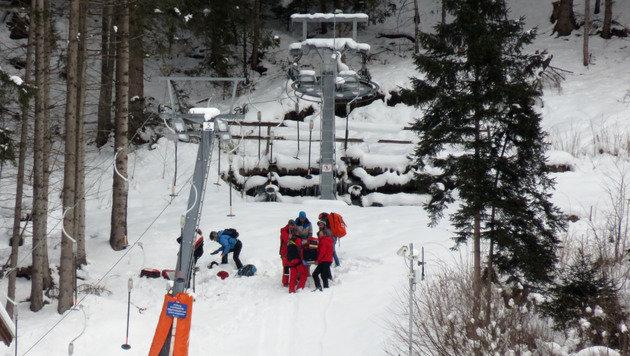 Der Rettungseinsatz am Tellerlift (Bild: ZOOM-TIROL)